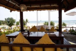 nikkibabie_restaurant